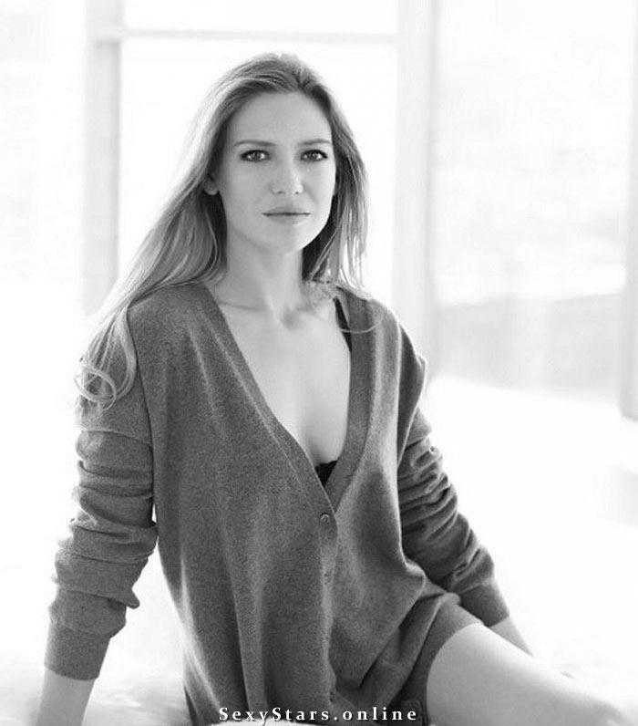 Анна Торв голая. Фото - 3