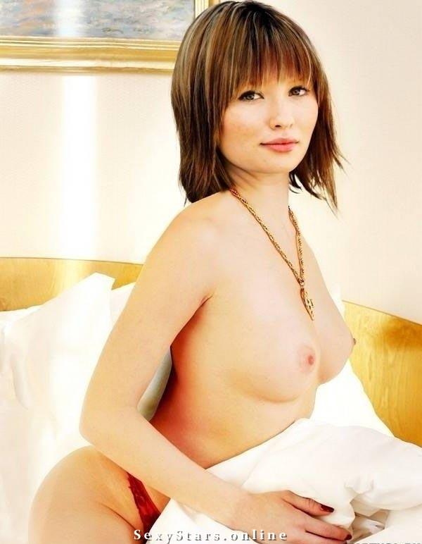 Emily Browning Nackt. Fotografie - 1