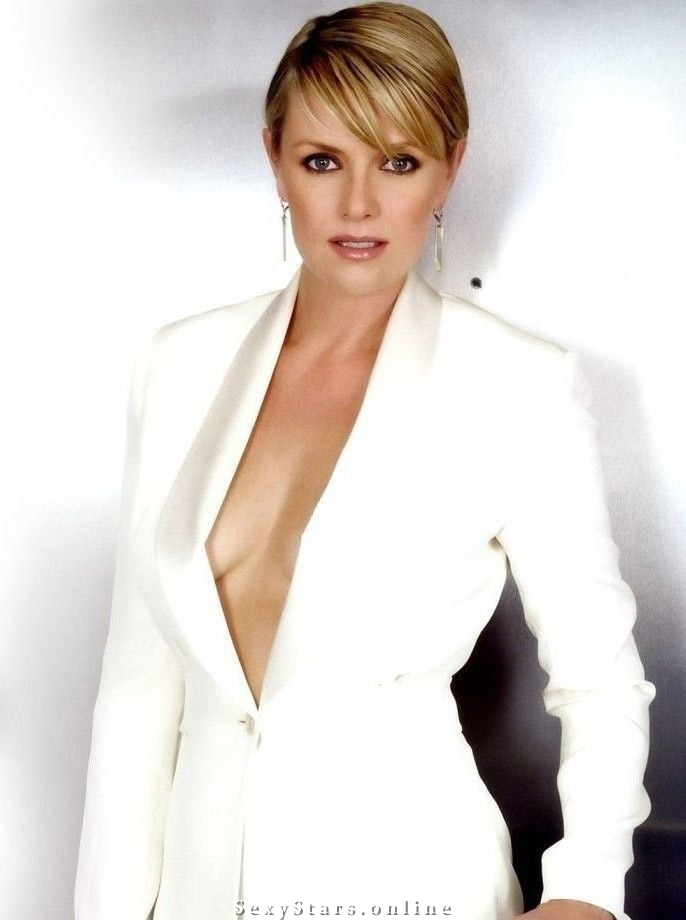 Amanda Tapping nude. Photo - 2