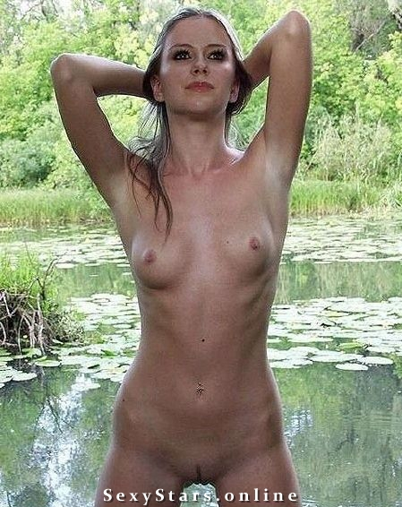 Аврил Лавин голая. Фото - 15