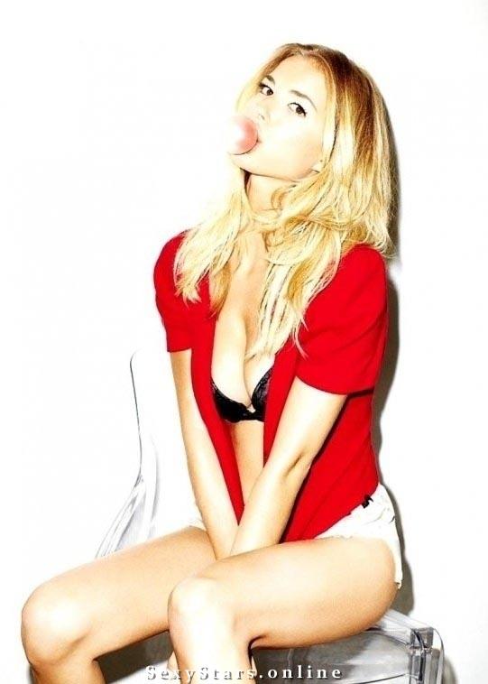 Эмили Ванкэмп голая. Фото - 11