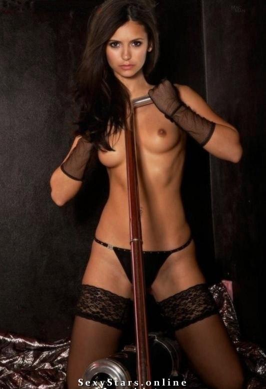 Нина Добрев голая. Фото - 4
