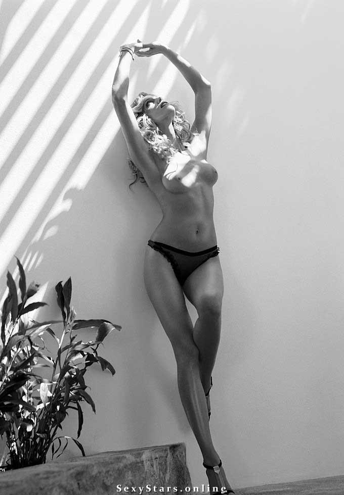 Триша Хелфер голая. Фото - 16