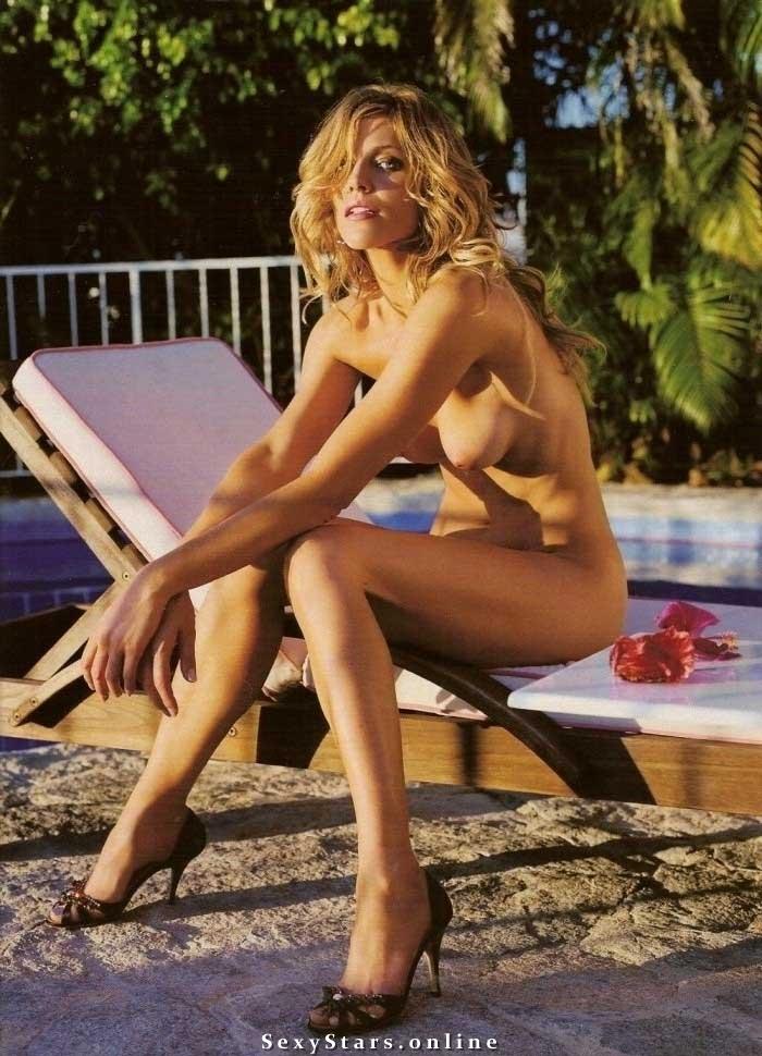 Триша Хелфер голая. Фото - 3