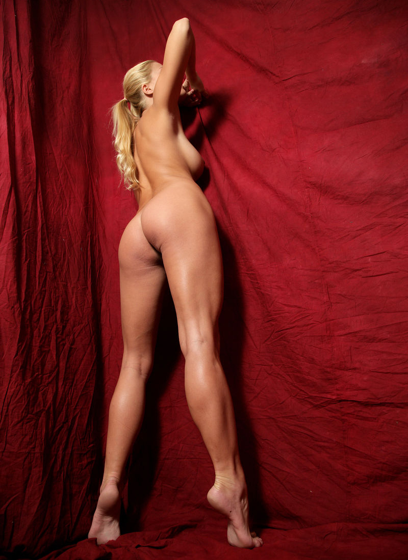 Адриана Малкова голая. Фото - 20