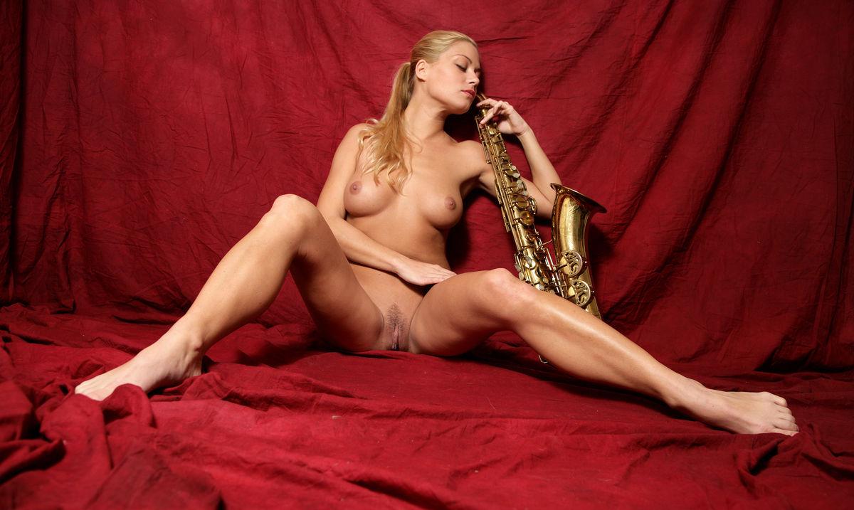 Адриана Малкова голая. Фото - 23