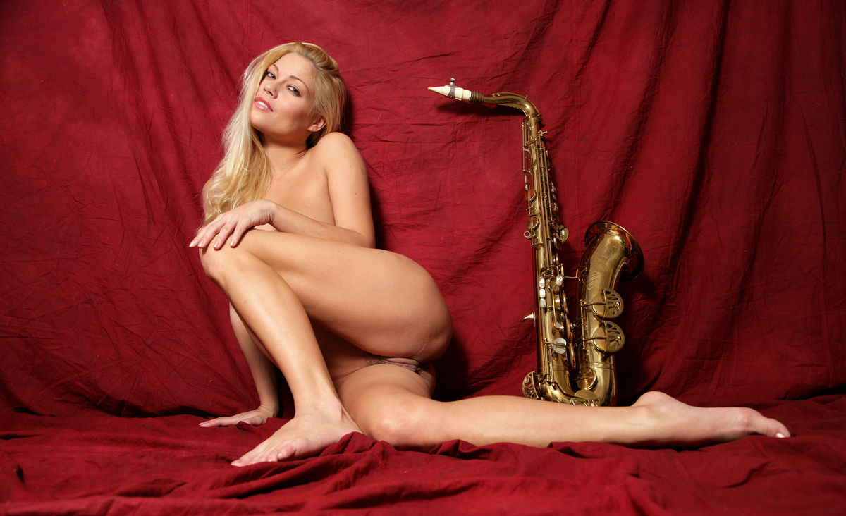 Адриана Малкова голая. Фото - 24
