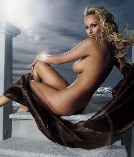 Адриана Скленарикова голая. Фото - 11