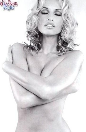Адриана Скленарикова голая. Фото - 17