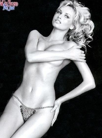 Адриана Скленарикова голая. Фото - 33