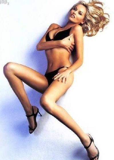 Адриана Скленарикова голая. Фото - 4