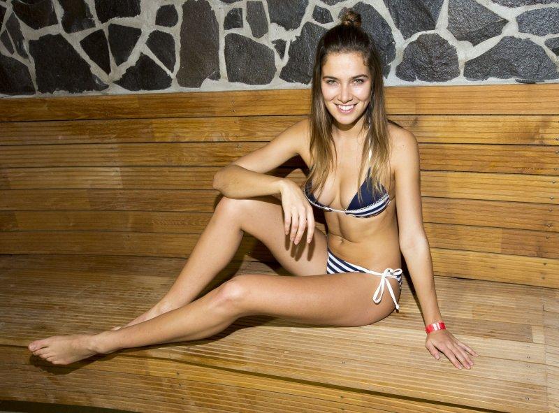 Андреа Бездекова голая. Фото - 9