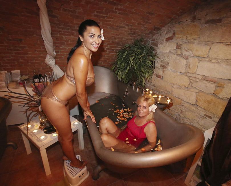 Анифе Выскочилова голая. Фото - 20
