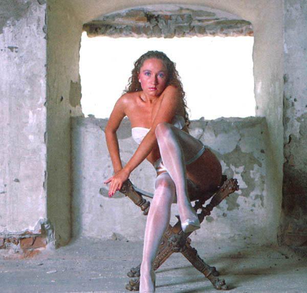 Бара Басикова голая. Фото - 12