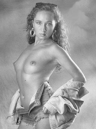 Бара Басикова голая. Фото - 15
