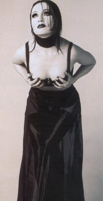 Бара Басикова голая. Фото - 6