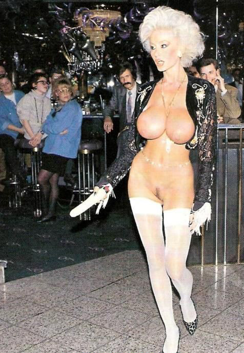 Долли Бастер голая. Фото - 19
