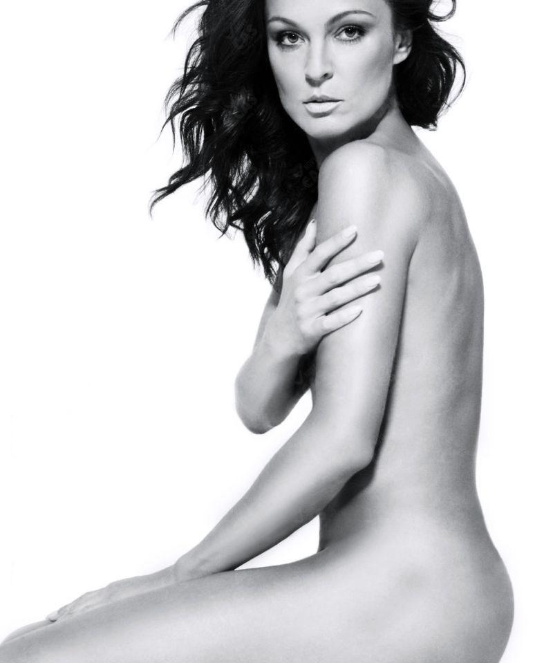 Елена Подзамска голая. Фото - 3