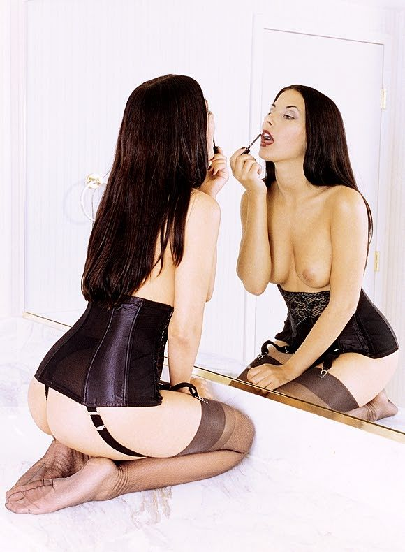 Ева Айхмайерова голая. Фото - 4
