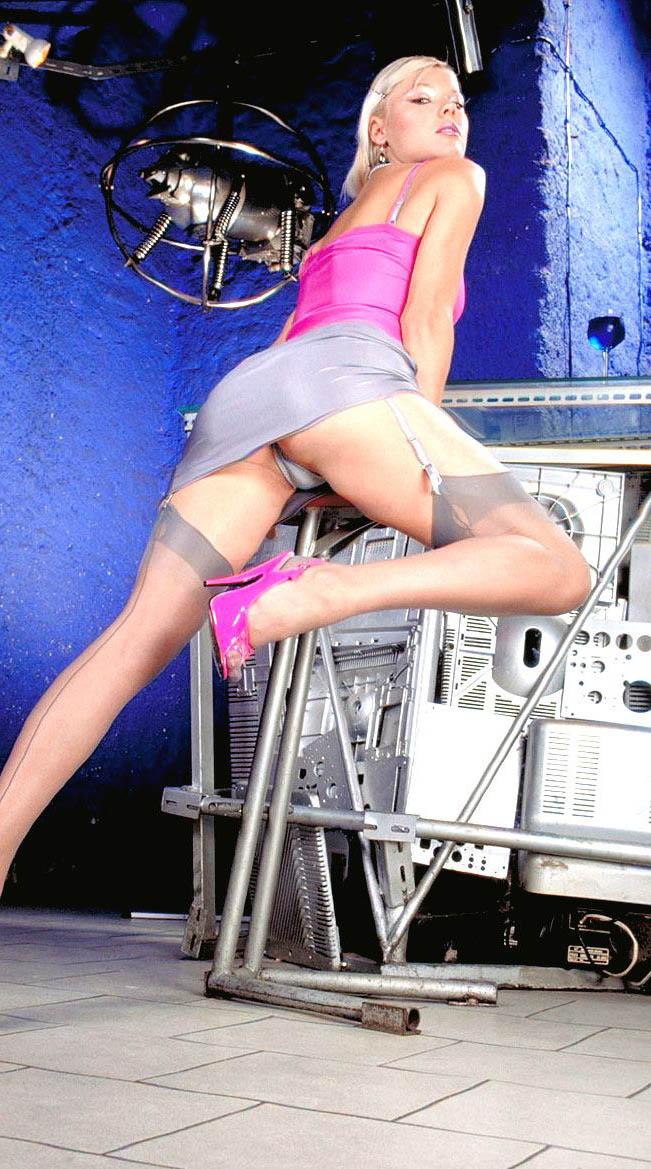Хелена Зетова голая. Фото - 1