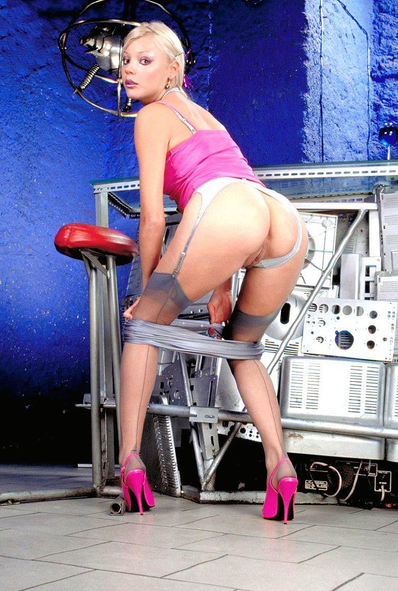 Хелена Зетова голая. Фото - 2