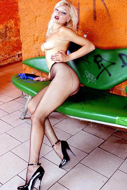 Хелена Зетова голая. Фото - 37