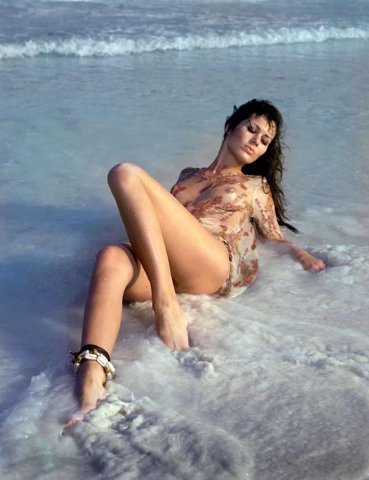 Яна Долежелова голая. Фото - 8