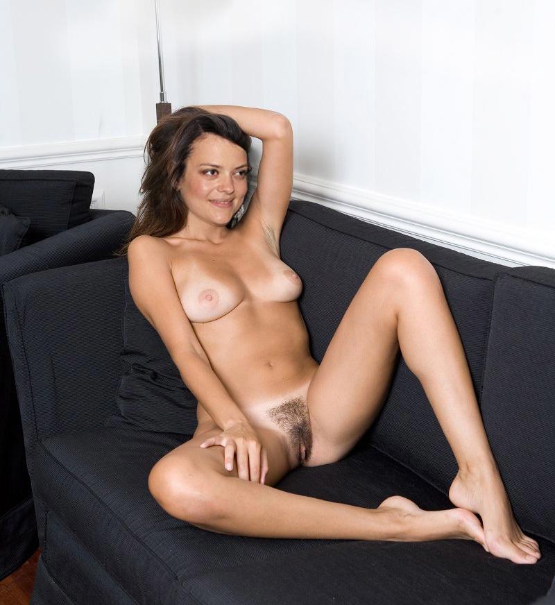Яна Стрыкова голая. Фото - 1