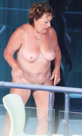 Иржина Богдалова голая. Фото - 1