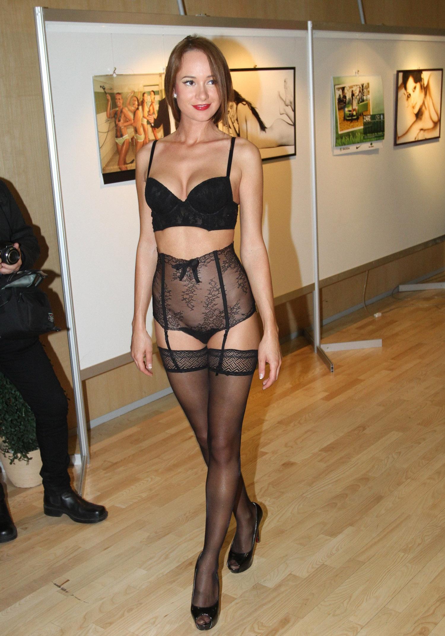 Каролина Крезлова голая. Фото - 20