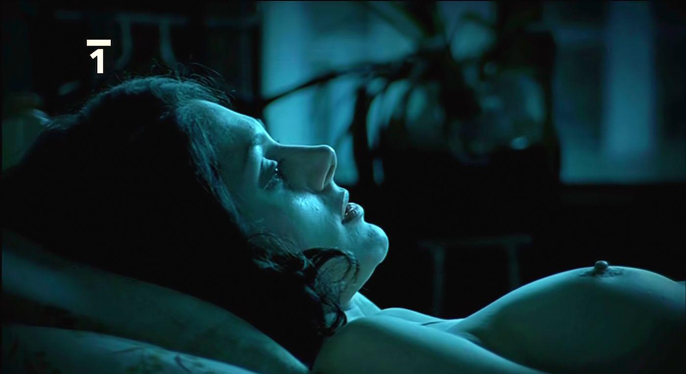 Клара Иссова голая. Фото - 3