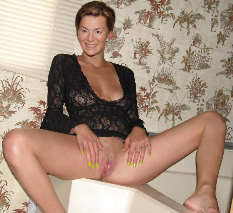 Ленка Кроботова голая. Фото - 1