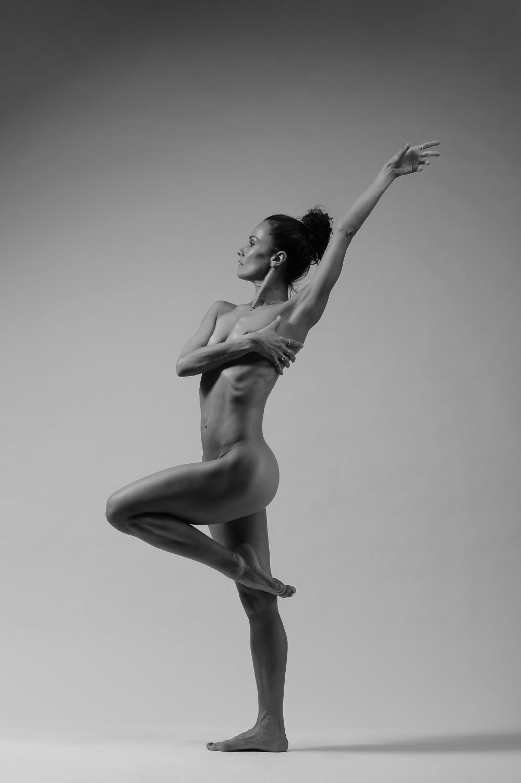 Леона Квасницова голая. Фото - 4