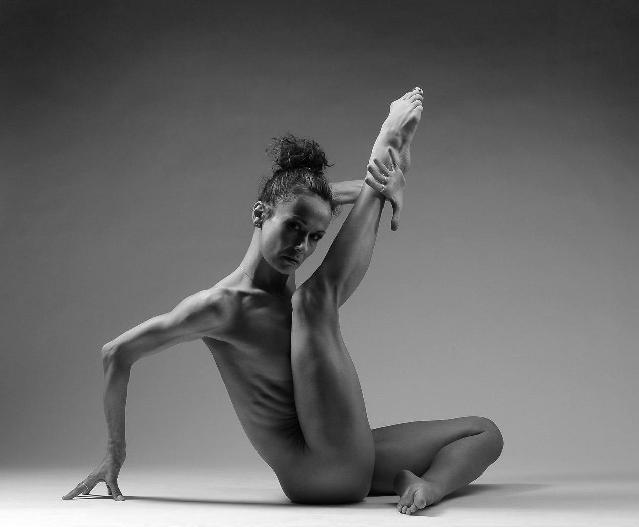 Леона Квасницова голая. Фото - 7