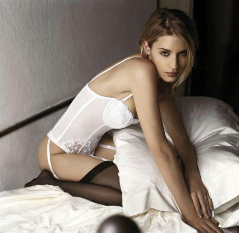 Линда Войтова голая. Фото - 1