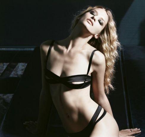 Линда Войтова голая. Фото - 11