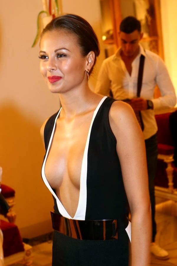 Моника Багарова nahá. Fotka - 1
