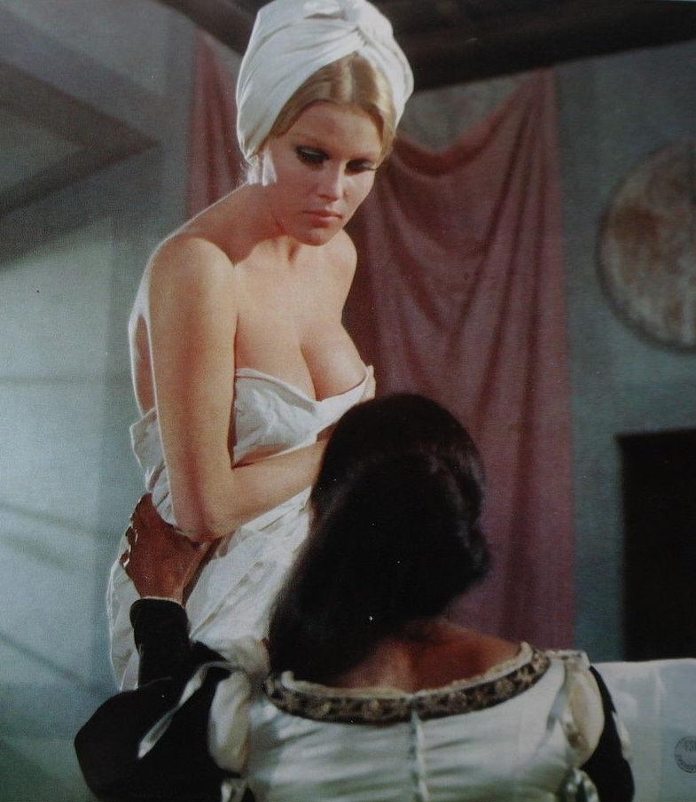 Ольга Шоберова голая. Фото - 26