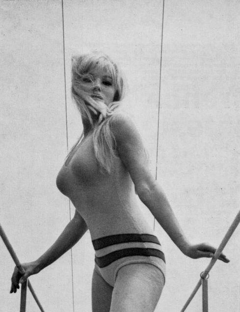 Ольга Шоберова голая. Фото - 9