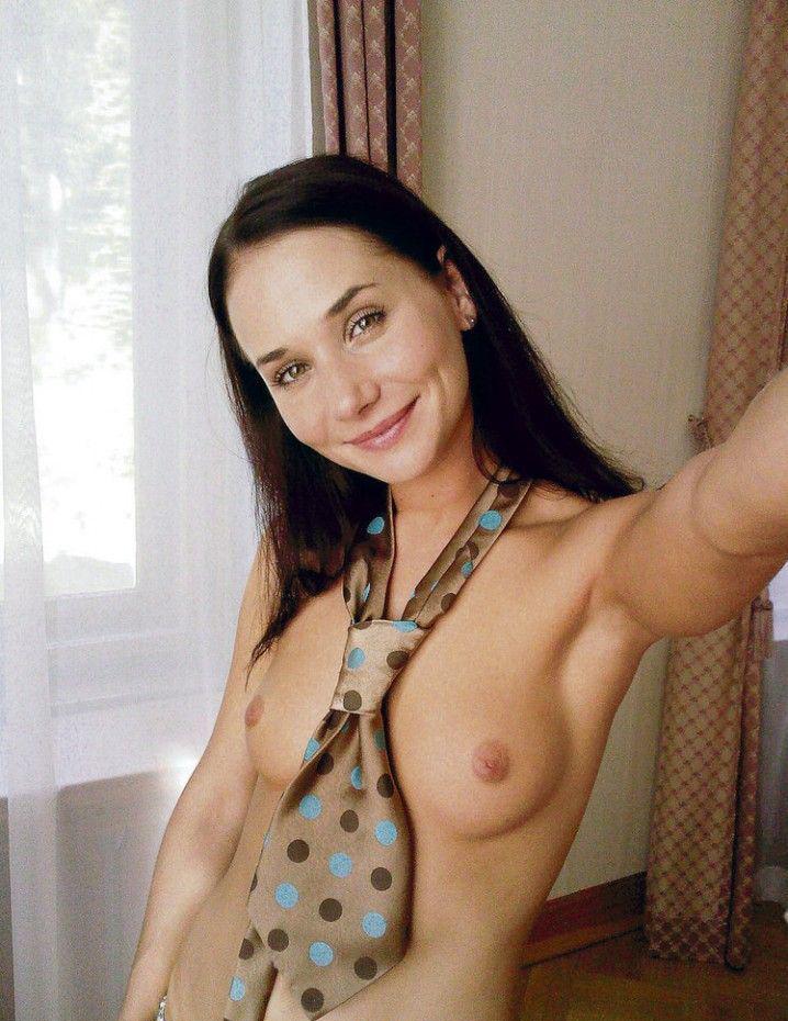 Сандра Новакова голая. Фото - 4
