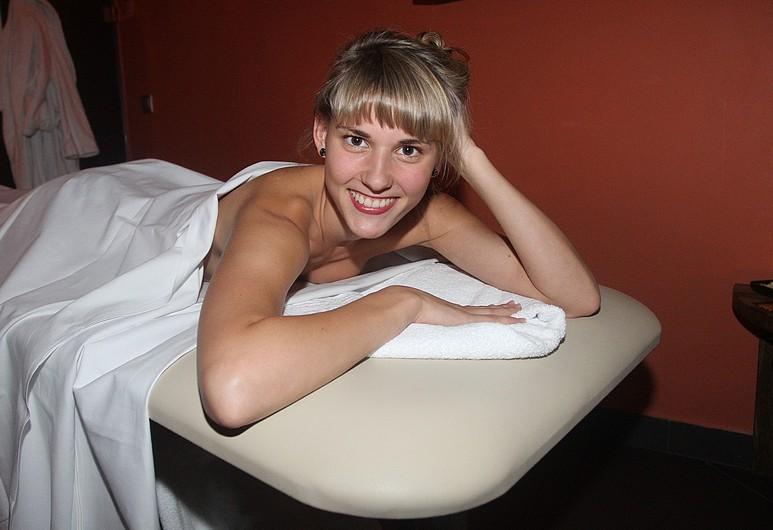 Шарка Вацуликова голая. Фото - 10