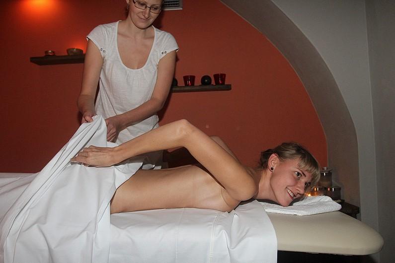 Шарка Вацуликова голая. Фото - 9
