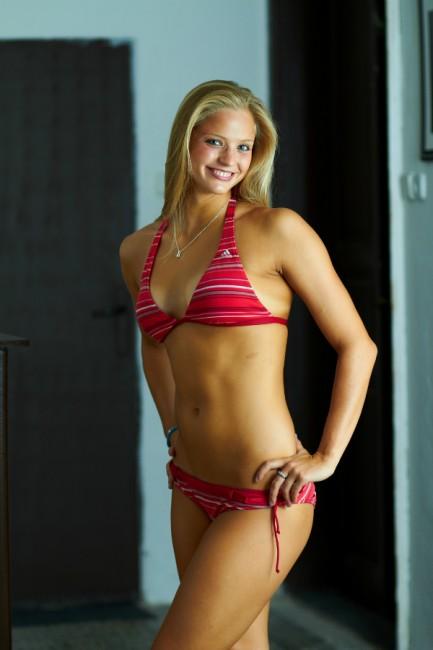 Симона Баумртова голая. Фото - 10