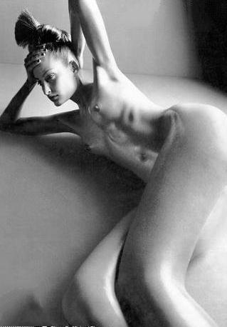 Тереза Максова голая. Фото - 20