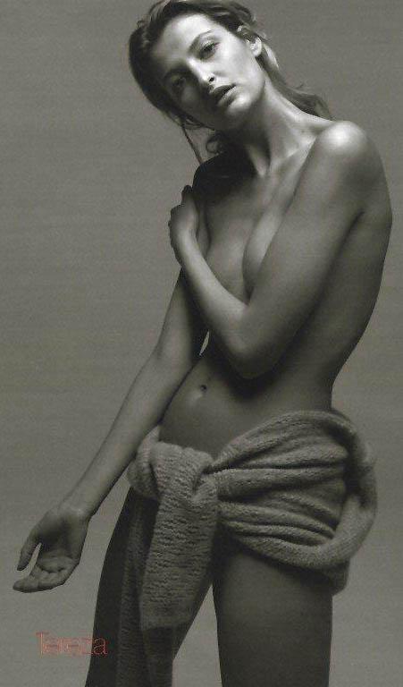 Тереза Максова голая. Фото - 32
