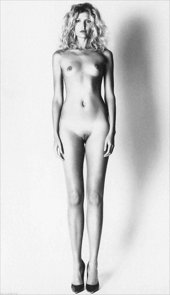 Тереза Максова голая. Фото - 6