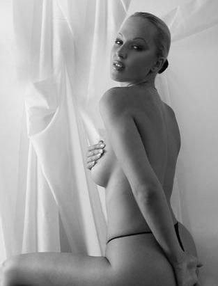 Зузана Белохорцова голая. Фото - 18