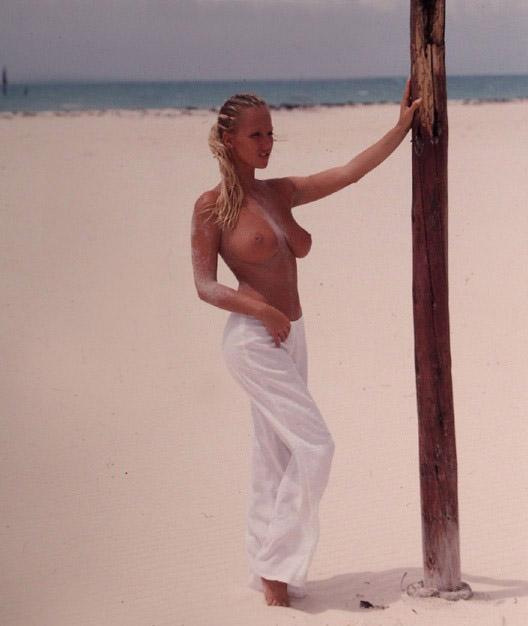 Зузана Белохорцова голая. Фото - 9