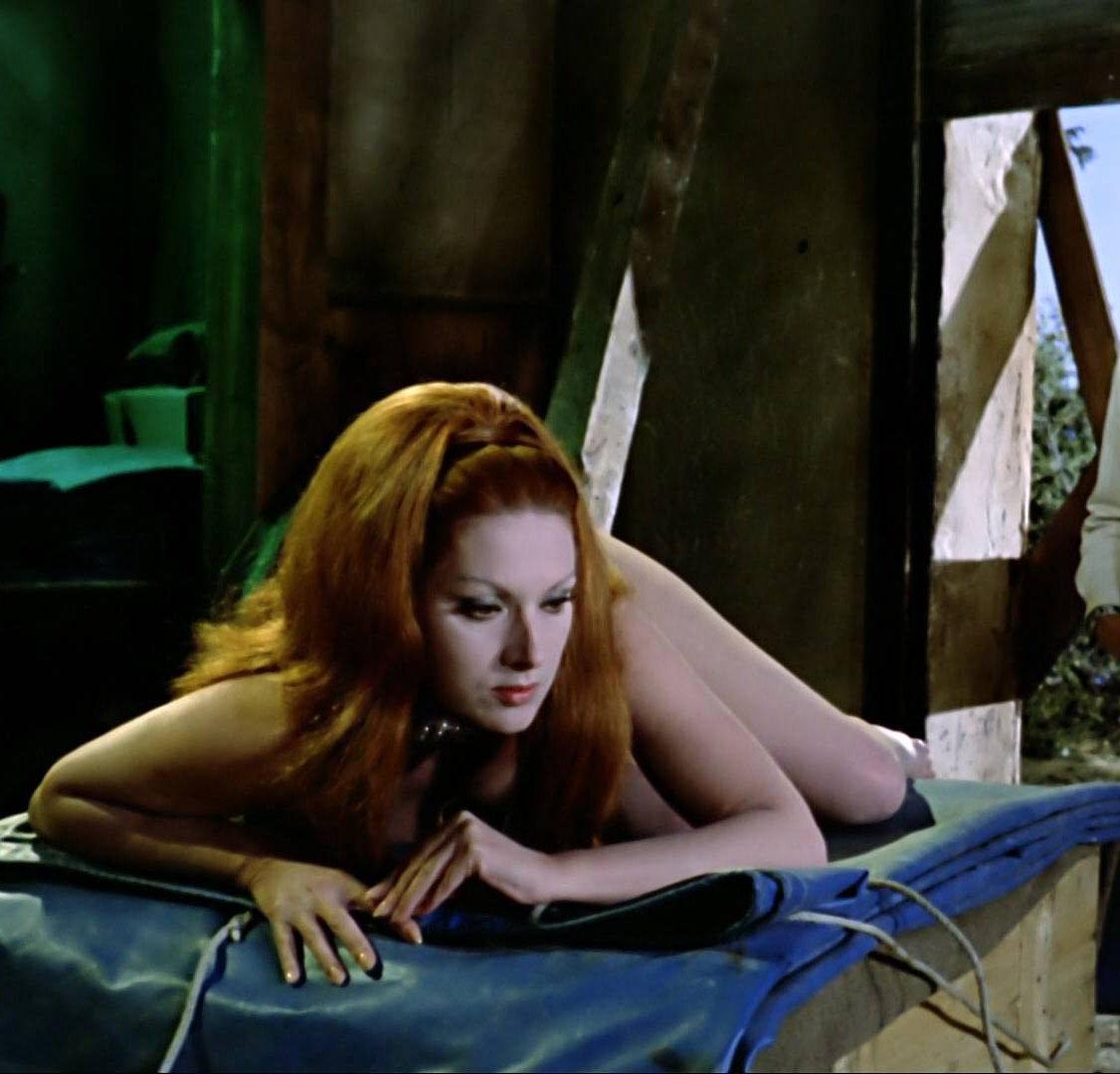 Хельга Лине голая. Фото - 11