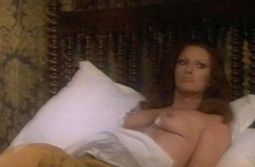 Хельга Лине голая. Фото - 2